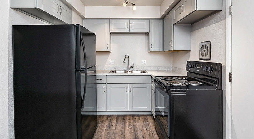 Renovated Townhome - Kitchen