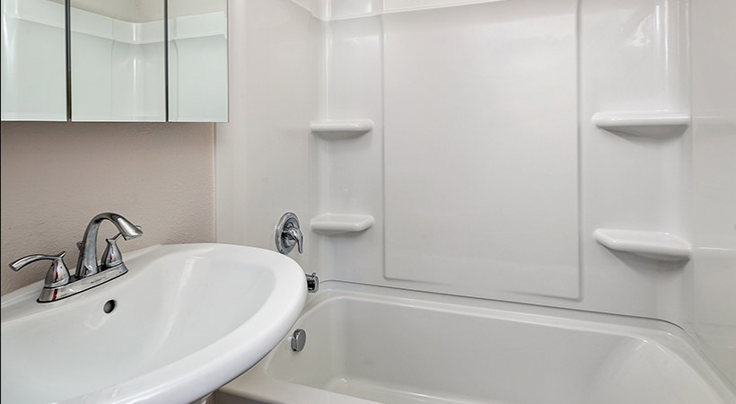 Renovated Townhome - Bathroom