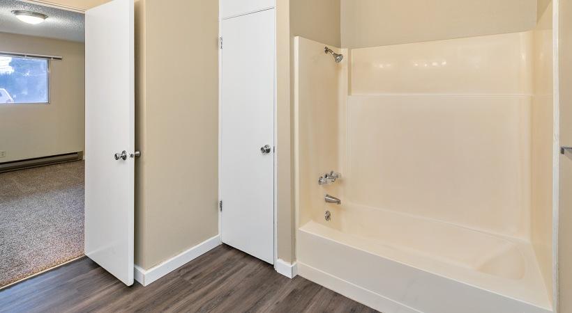 One Bedroom - Shower